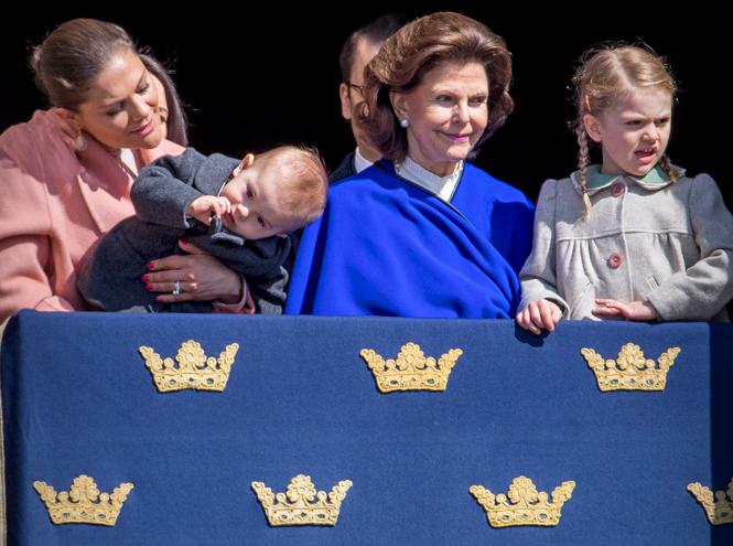 Фото №29 - Принц Оскар: два года в фотографиях