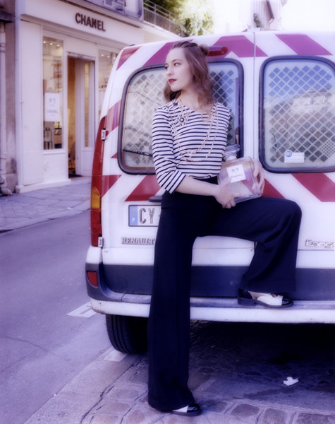 Фото №5 - Маршрут № 5: прогулка по Парижу в стиле Chanel
