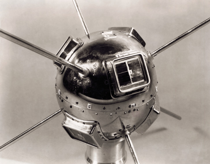 Фото №5 - Служба на орбите: 5 необычных искусственных спутников Земли