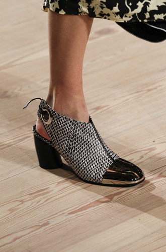 Фото №48 - Самая модная обувь сезона осень-зима 16/17, часть 2