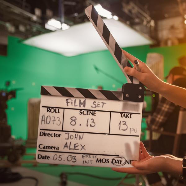 Фото №1 - Снимаем первый фильм за 0 рублей: как сделать шедевр на экране своего смартфона