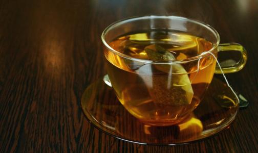 Фото №1 - Врачи: Одна ошибка при заваривании чая может превратить его в яд
