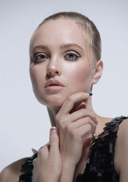 Фото №3 - Несколько интересных весенних трендов в макияже от Dessange