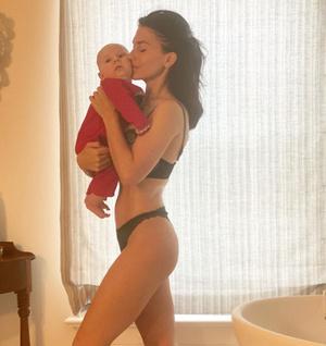 Фото №1 - Хилария Болдуин стала мамой в 6-й раз— через полгода после прошлых родов