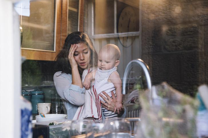 Фото №1 - 7 гадких вещей, которые придется делать каждой молодой маме