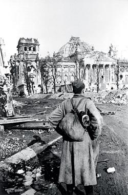 Фото №16 - Штурм Берлина