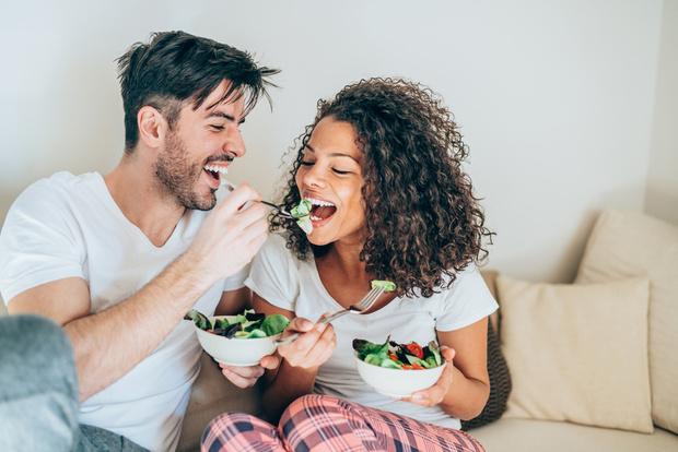 Фото №5 - Как незаметно посадить мужчину на диету и при этом не поссориться