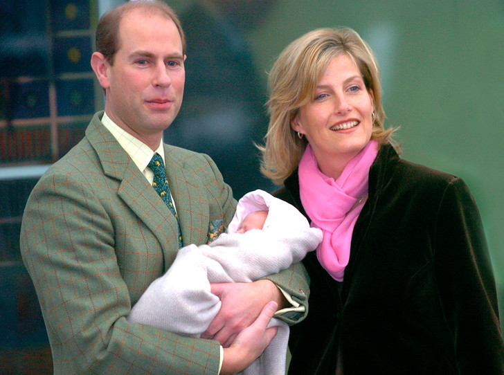 Фото №3 - Почему Меган отказывается рожать там же, где рожали Кейт Миддлтон и принцесса Диана