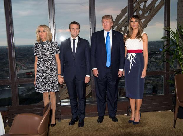 Фото №11 - Первые подруги: Мелания Трамп и Бриджит Макрон в Париже