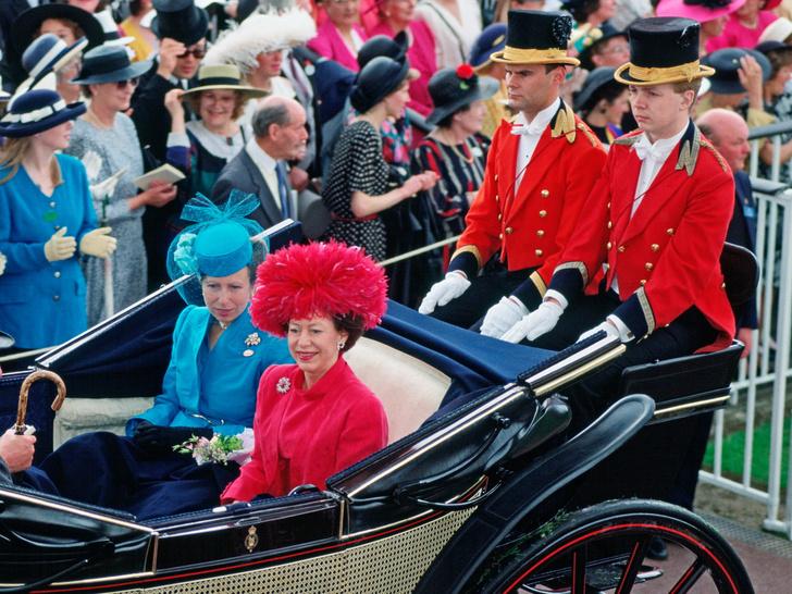Фото №35 - Одним цветом: как королевские особы носят монохромные образы— 30 вдохновляющих примеров