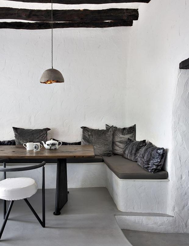 Фото №12 - Модная деталь: банкетки и скамейки в столовой