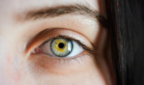 Фото №1 - Ученые объяснили, как коронавирусное заражение проявляется на глазах