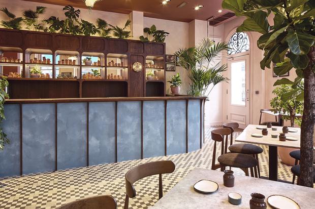 Фото №1 - Индийский ресторан Darjeeling Express в Лондоне