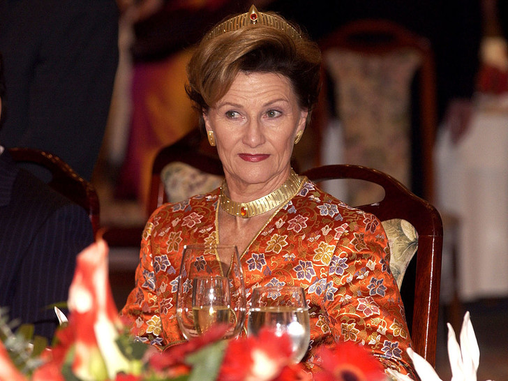Фото №6 - От герцогини Кейт до кронпринцессы Мэри: как королевские особы носят топазы