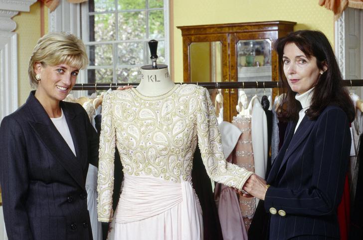 Фото №4 - Неповторимая Кэтрин Уолкер: любимый дизайнер принцессы Дианы и Кейт Миддлтон