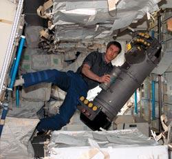 Фото №3 - Как выжить в космосе?