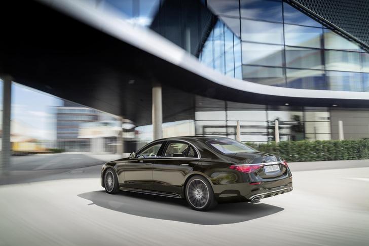 Фото №2 - Mercedes-Benz рассекретил новый S-класс: «шестисотый» XXI века