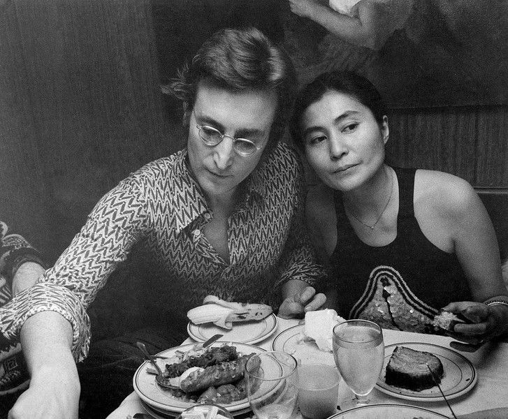 Фото №5 - Слежка и угрозы: рецепт покорения рок-звезды от Йоко Оно