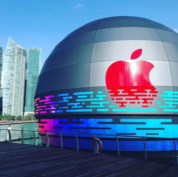 Фото №1 - Новый Apple Store по проекту Foster + Partners в Сингапуре