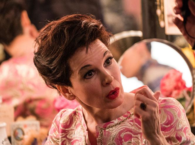 Фото №2 - От Бриджит Джонс до Джуди Гарленд: самые яркие роли Рене Зеллвегер