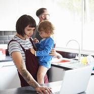 Мать и жена: удается ли вам совмещать обе роли?