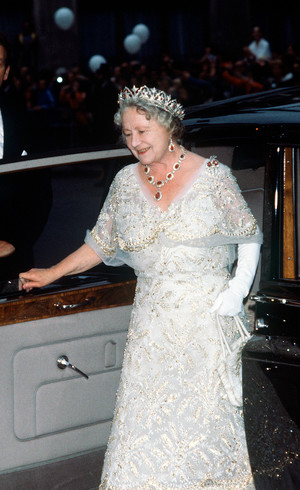 Фото №17 - Камни судьбы: самые роскошные рубиновые тиары королевских семей