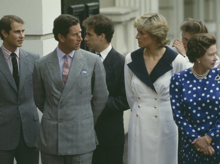 Фото №3 - Семейная вражда: почему Диана и Сара Фергюсон не ладили с младшим сыном Королевы