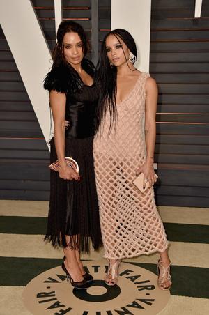 Фото №2 - Стиль по наследству: как одеваются самые модные мамы и дочери
