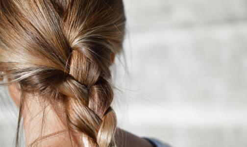Фото №1 - Ученые: чем темнее волосы, тем выше риск облысения