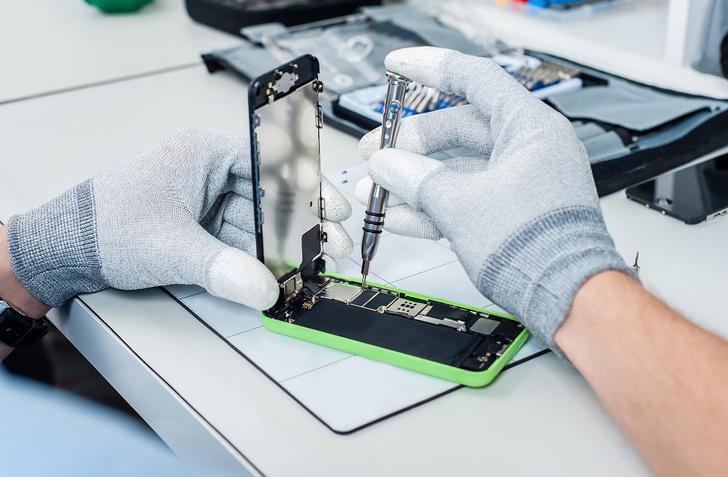 Фото №2 - Почему нельзя выбрасывать старый смартфон и что с ним тогда делать