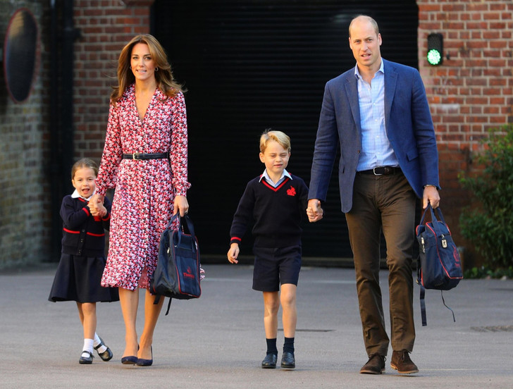 Фото №1 - Без особых формальностей: как Джорджа и Шарлотту называют в школе