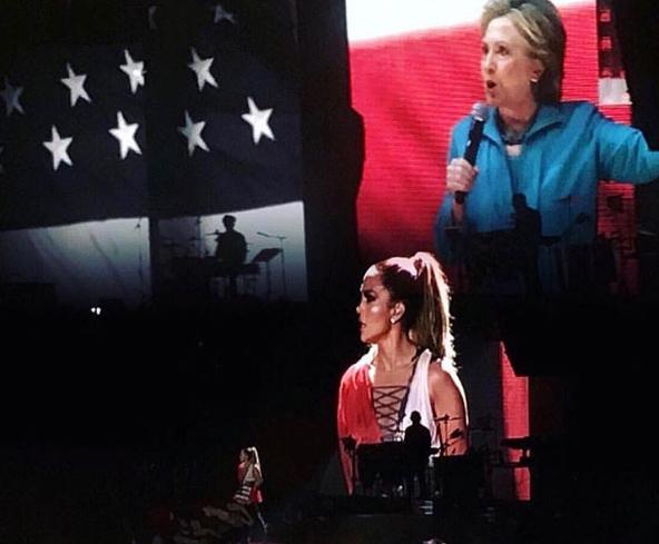 Фото №27 - День выборов в звездном Инстаграме