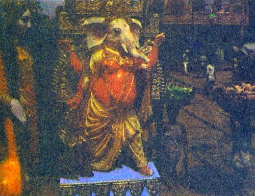 Фото №1 - Квартал, где рождаются боги