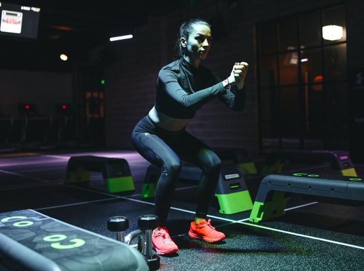 Фото №6 - Домашние тренировки: как заниматься спортом без инвентаря