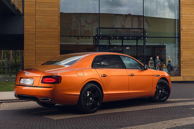 Фото №3 - Cамый быстрый четырехдверный Bentley в истории — Flying Spur W12 S