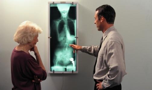 Фото №1 - Врачей обяжут сообщать диагноз пациентам в отдельном кабинете под видеонаблюдением