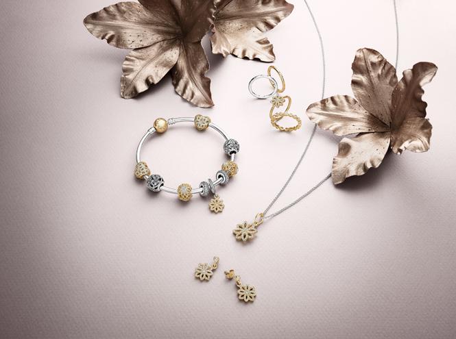 Фото №5 - Волшебное королевство: новая коллекция украшений Pandora
