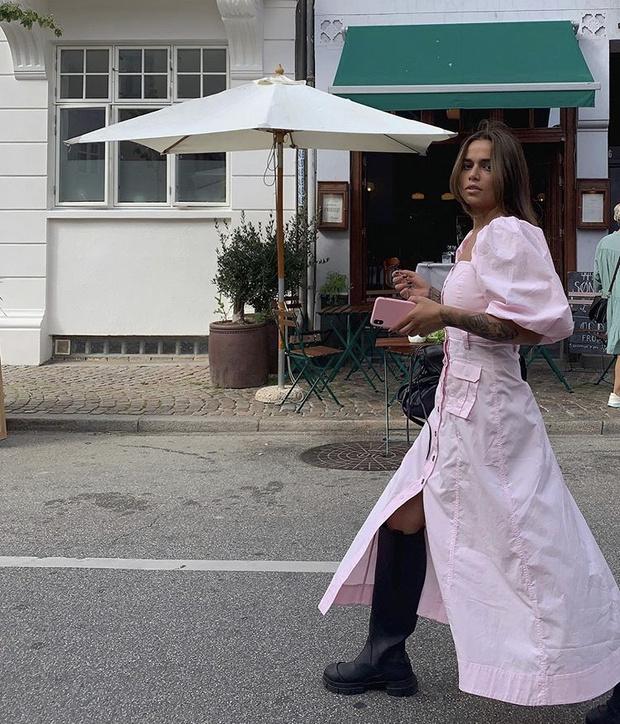 Фото №15 - С чем носить резиновые сапоги: показывают шведские и датские блогеры
