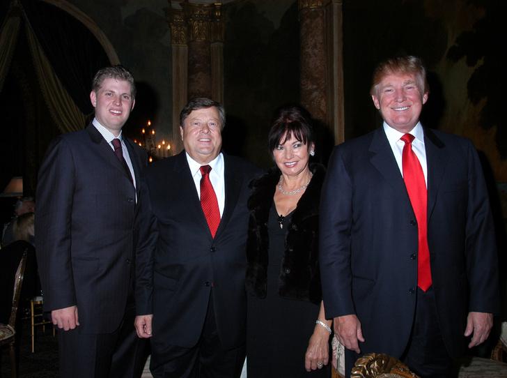 Фото №2 - Неочевидная причина, почему Мелания вышла замуж за Дональда Трампа