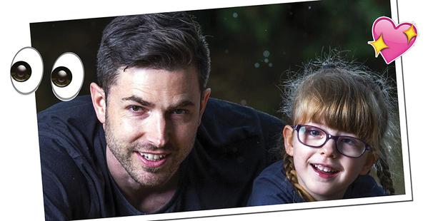 Фото №2 - Современная сказка: отец сделал глазной протез для дочки по видеоурокам на YouTube