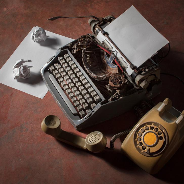 Фото №1 - Почему на клавиатуре телефона цифры 1, 2, 3 расположены вверху, а на калькуляторе — внизу?