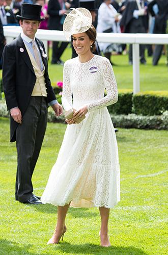 Фото №6 - Из простолюдинок в аристократки: как Кейт Миддлтон изменилась за 10 лет рядом с Королевой