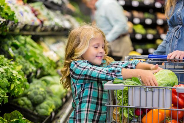 Ребенок истерит в магазине что делать
