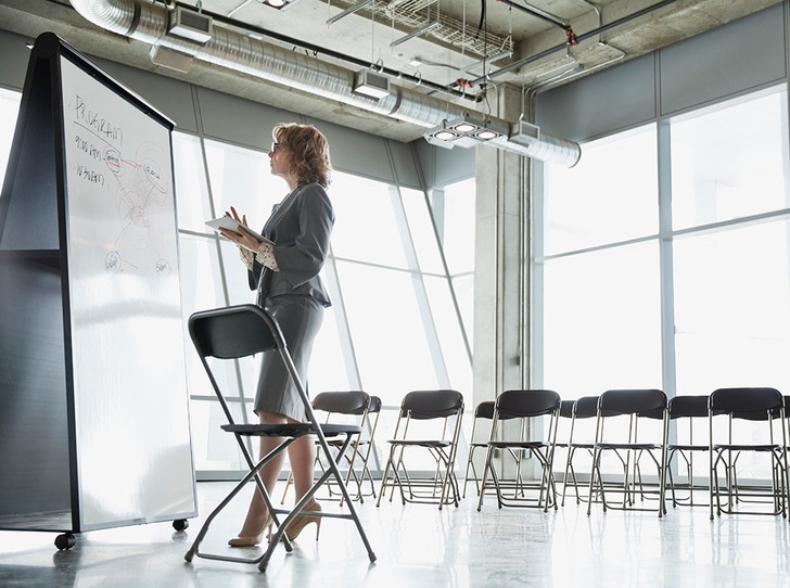 Фото №5 - Как получить прибавку к зарплате: «женские» хаки, которые помогут побороть дискриминацию