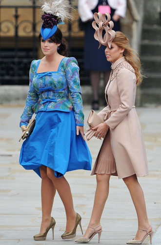 Фото №3 - Быть как Кейт Миддлтон: принцессы Беатрис и Евгения просятся на Королевскую службу