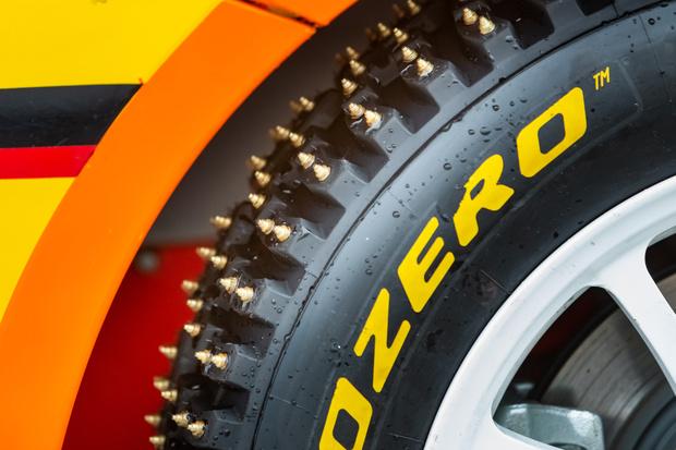 Покрышки для всех участников «Гонки чемпионов-2020» подготовили специалисты фирмы Pirelli