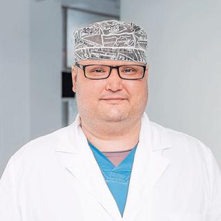 Фото №2 - Новое дело врачей: реаниматологи в СИЗО, директор клиники объявлен в розыск