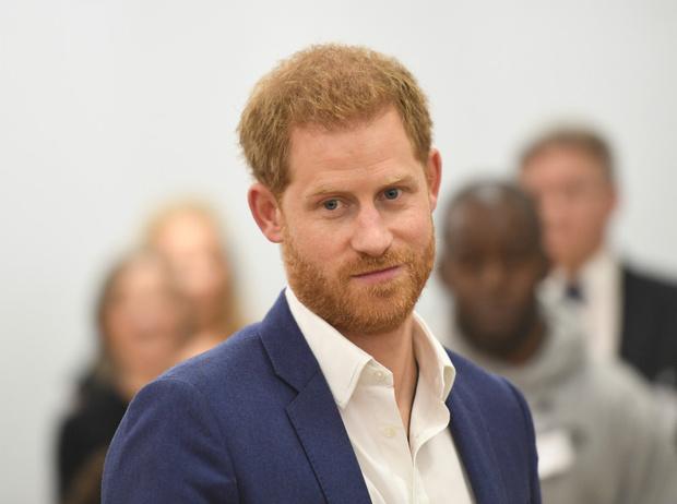 Фото №1 - Чужой среди своих: почему принц Гарри всегда хотел покинуть БКС