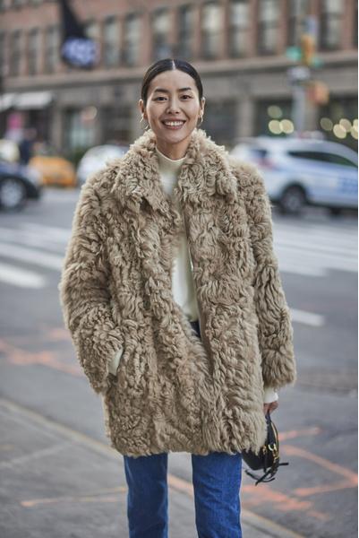 Фото №1 - Как выглядит самая высокооплачиваемая красавица Азии