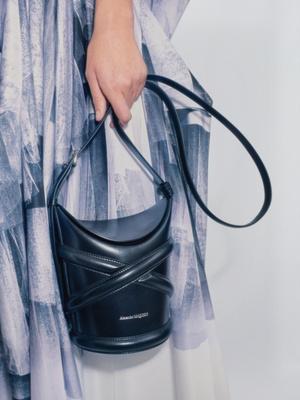 Фото №11 - 8 главных сумок весны, которые еще не успели надоесть